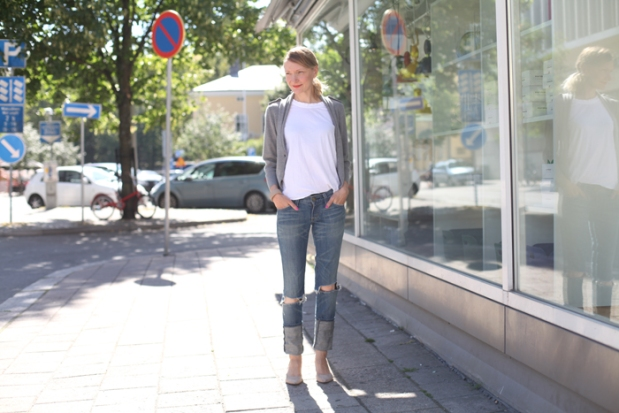 distressed jeans 1