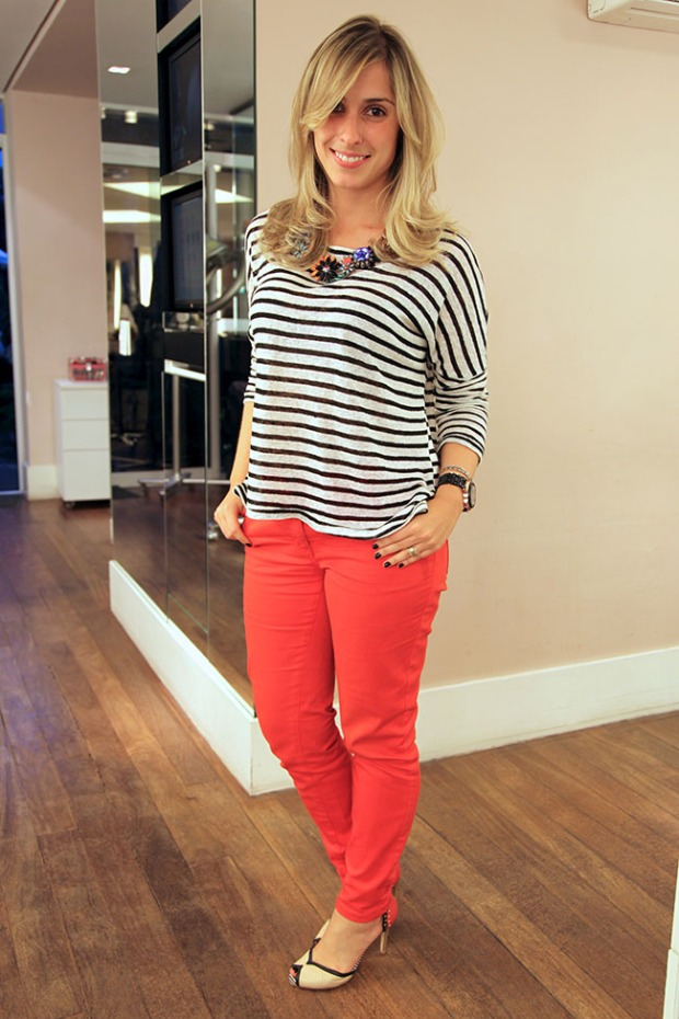 look - stripes and red copy
