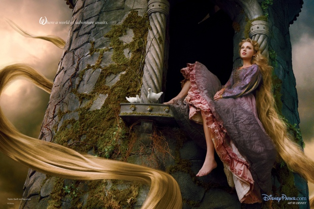 Aqui, Taylor Swift como Rapunzel, para Annie Leibovitz