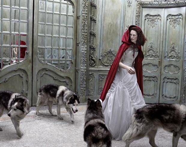 Little Red Riding Hood por Annie Leibovitz para a Vogue 2009.