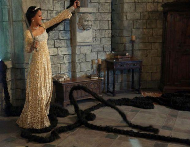 """Atriz Alexandra Metz em Once Upon a Time s03 e14 """"The Tower"""""""